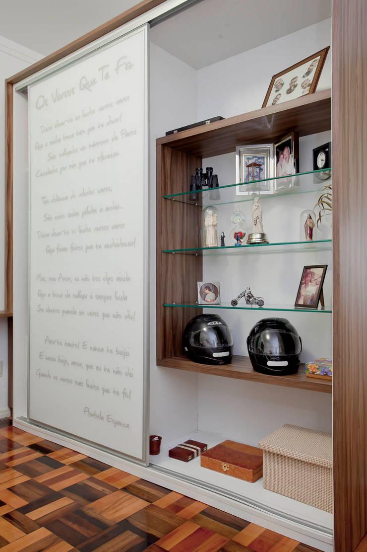 Estudios y despachos de estilo  de CMSP Arquitetura + Design