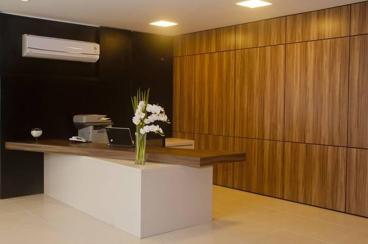 Recepção da presidência: Edifícios comerciais  por CMSP Arquitetura + Design