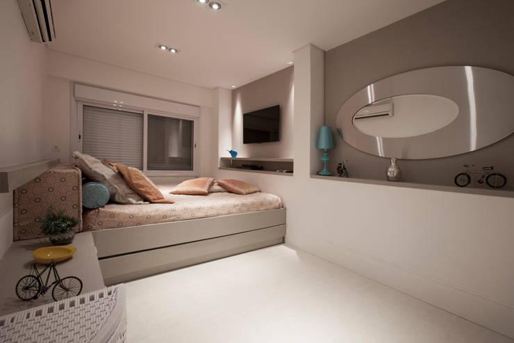 moderne Slaapkamer door Sandra Sanches Arq e Design de Interiores