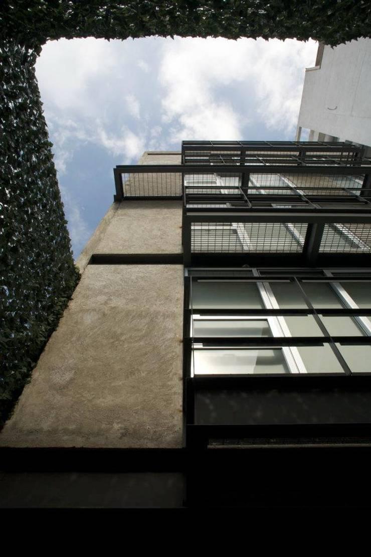 aCA-50 Finished Work: Casas de estilo  por CoRREA Arquitectos