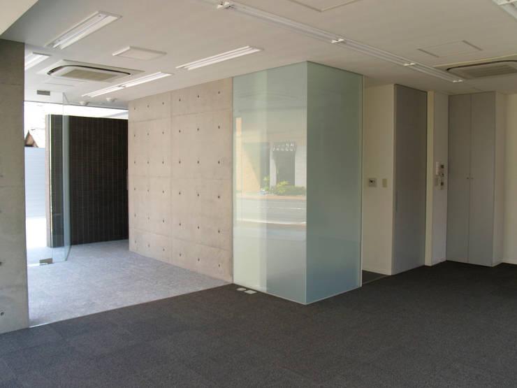 1F事務所スペース:       古津真一 翔設計工房一級建築士事務所が手掛けたホテルです。