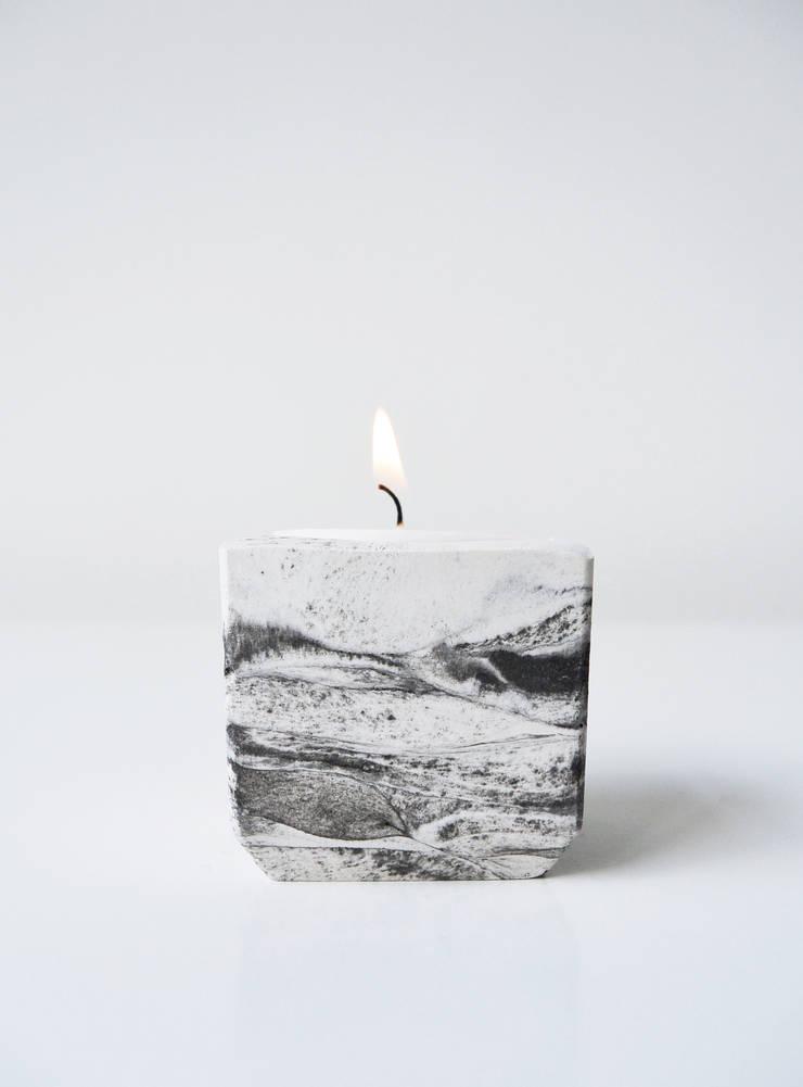 """Tealight holder """"marble"""" :  Woonkamer door STUDIOGWEN"""