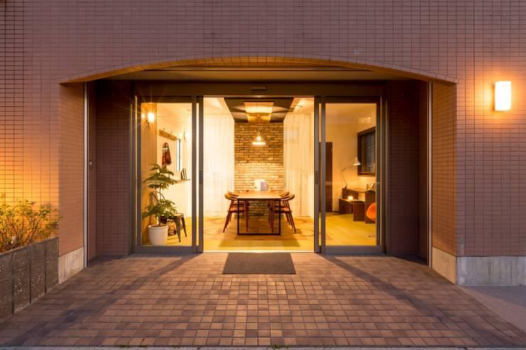 事務所 内装: 株式会社 鳴尾工務店が手掛けたオフィススペース&店です。,