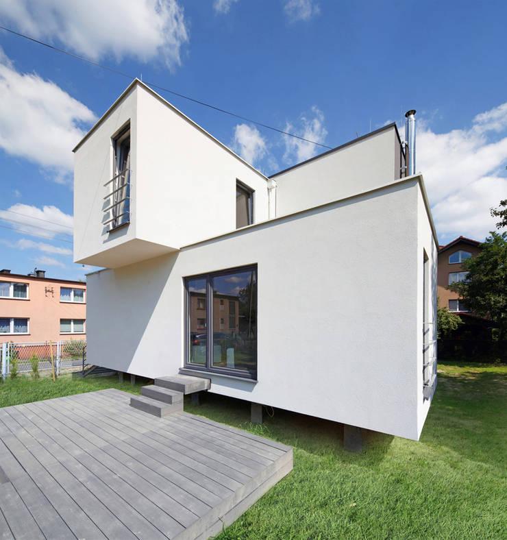 CUBE-2-BOX HOUSE: styl , w kategorii Domy zaprojektowany przez Zalewski Architecture Group,Minimalistyczny