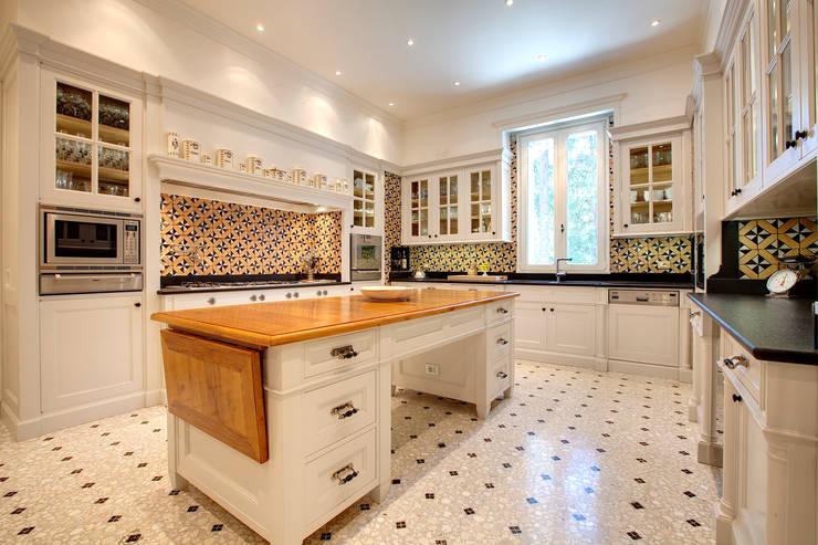 Kitchen by Riccardo Barthel