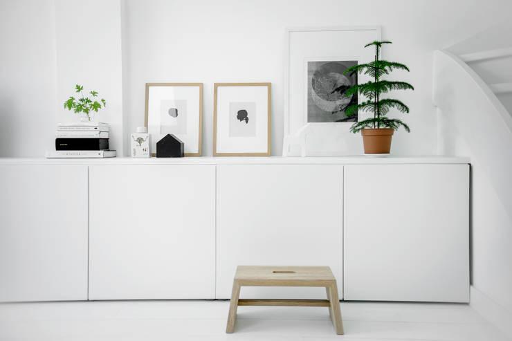 Woonhuis | Delft :  Woonkamer door Design Studio Nu