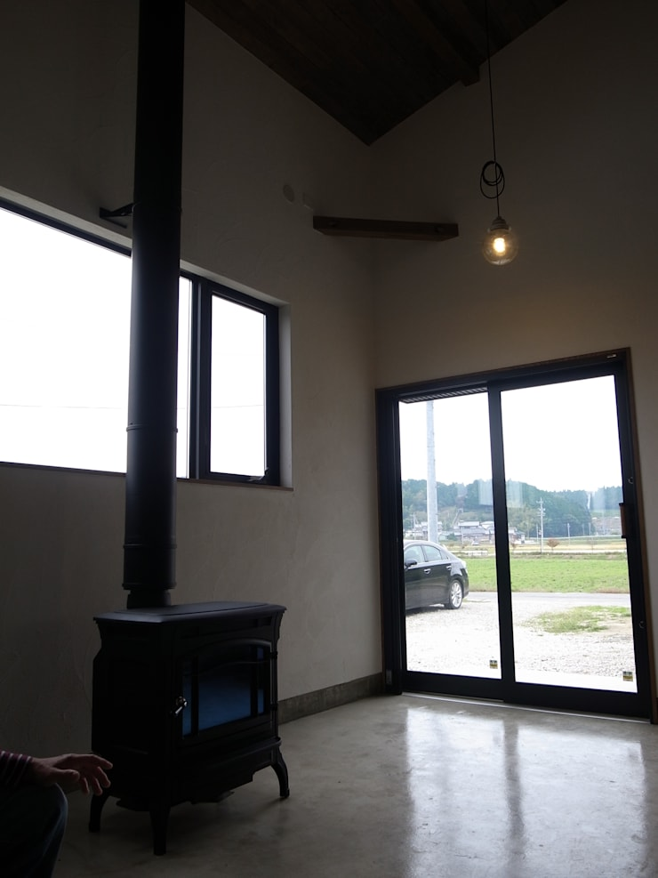 みんなでつくる家: Wats建築デザインが手掛けた廊下 & 玄関です。
