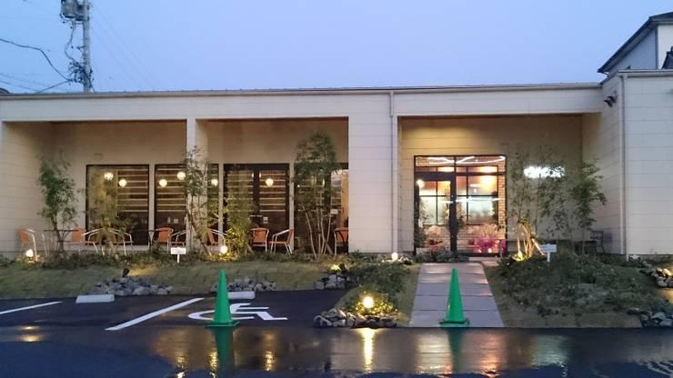咲ら珈琲 岡崎井田店: Wats建築デザインが手掛けた家です。