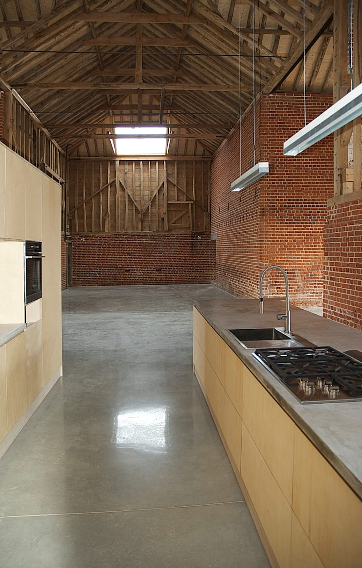 Church Hill Barn, Suffolk:  Kitchen by David Nossiter Architects