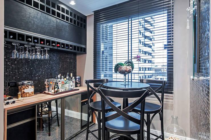 قبو النبيذ تنفيذ Patrícia Azoni Arquitetura + Arte & Design