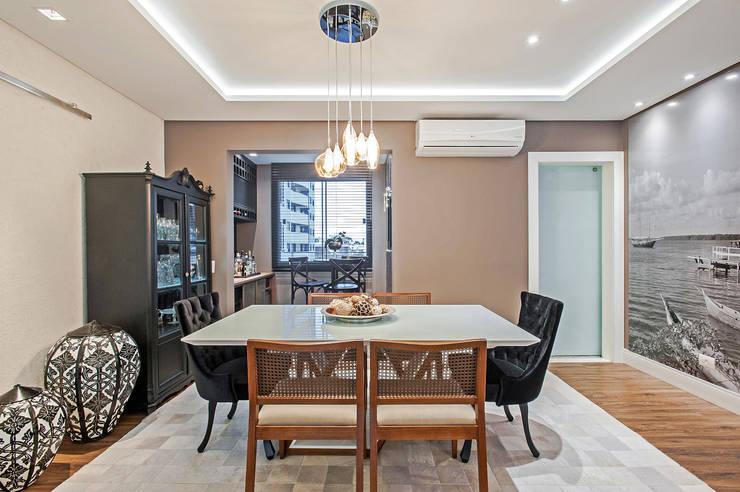 Apartamento 601: Salas de jantar  por Patrícia Azoni Arquitetura + Arte & Design