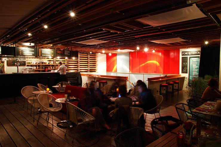 Carfebrería El Péndulo: Restaurantes de estilo  por Buro Verde Arquitectura s.c.