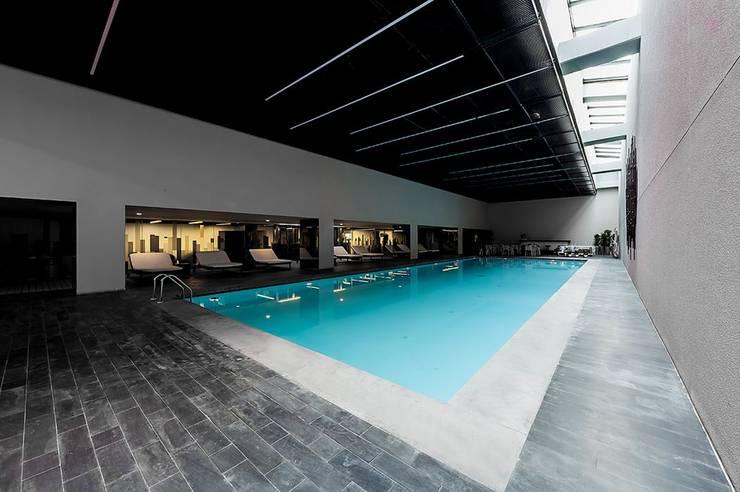 .NESS Reklam ve Fotoğrafçılık – Mera Suites Residence Mekan Çekimi:  tarz Havuz