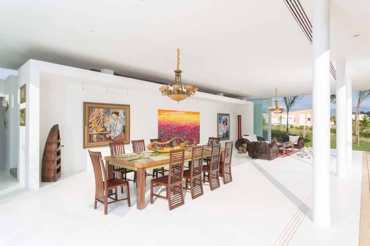 Casa Galeria: Comedores de estilo  por Giovanni Moreno Arquitectos