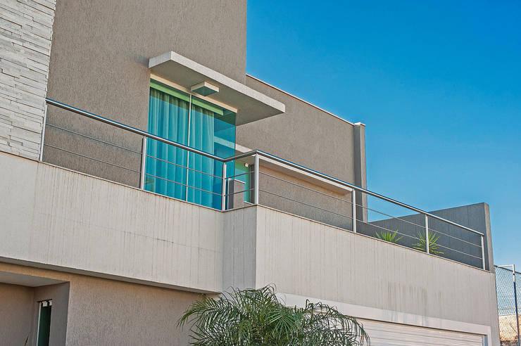 Houses by Patrícia Azoni Arquitetura + Arte & Design, Modern