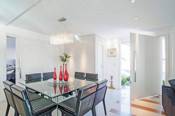Dining room by Patrícia Azoni Arquitetura + Arte & Design, Modern
