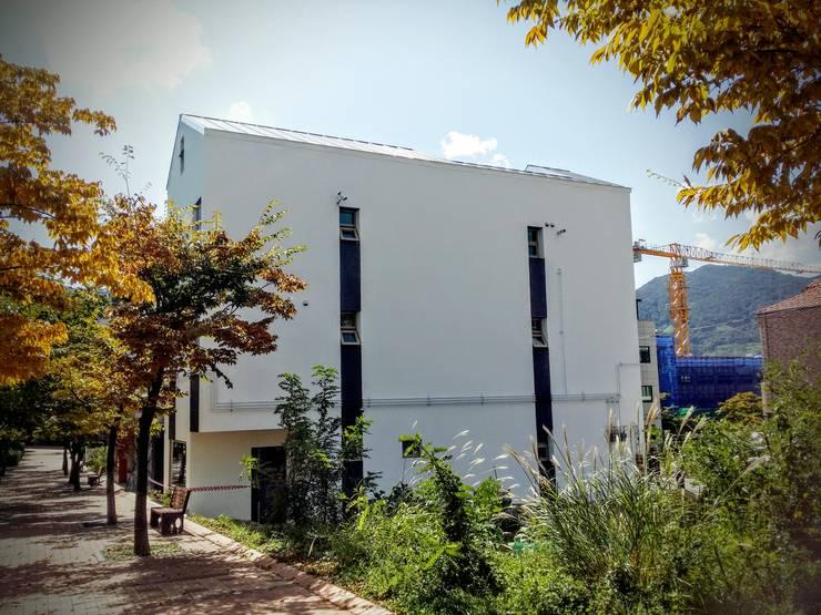 정관 상가주택 FORTUNA : GN건축사사무소의  주택