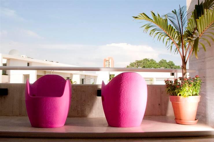 .: Terrazas de estilo  por MORADA CENTRO DE DISEÑO S.A.