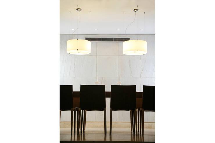 .: Comedores de estilo  por MORADA CENTRO DE DISEÑO S.A.