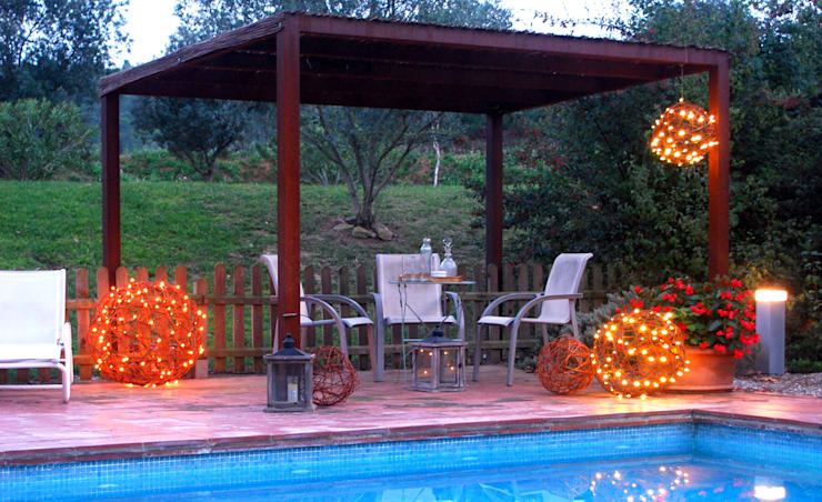 Jardín de estilo  por OutSide BCN LED Lighting