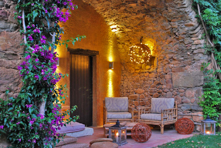 Jardines de estilo  por OutSide BCN LED Lighting