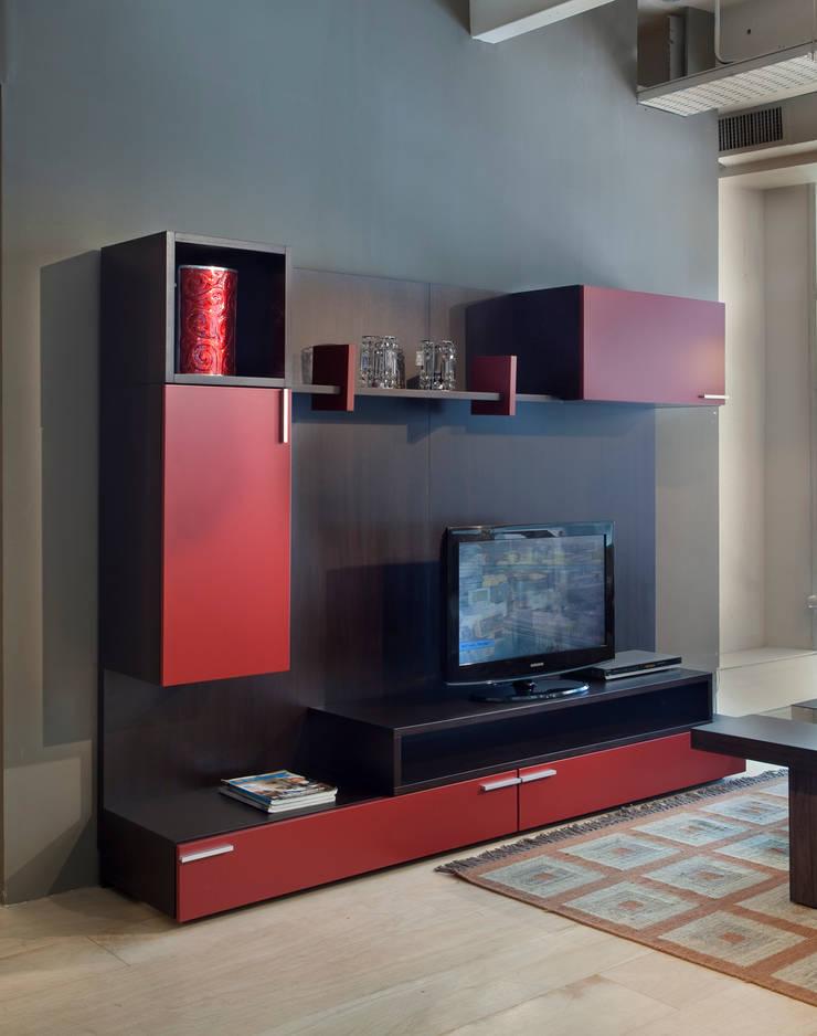 Wall Units: Livings de estilo  por Michael Thonet,