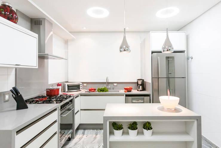 Cozinha: Cozinha  por FV
