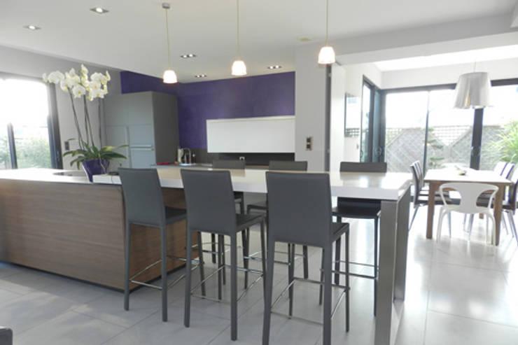 Exemples de réalisations de particulier: Cuisine de style de style Moderne par Idées dans la maison