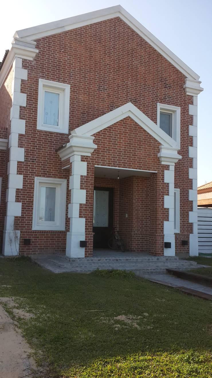 Arquitectos Building M&CC - (Marcelo Rueda, Claudio Castiglia y Claudia Rueda)が手掛けた家