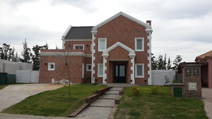 Дома в . Автор – Arquitectos Building M&CC - (Marcelo Rueda, Claudio Castiglia y Claudia Rueda)