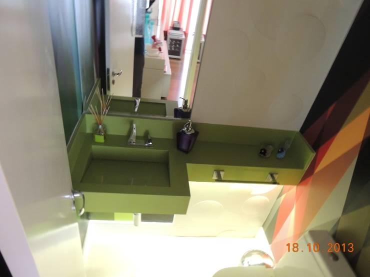 LAVABO: Banheiros  por Melanie Kiss Design de interiores,Moderno Quartzo
