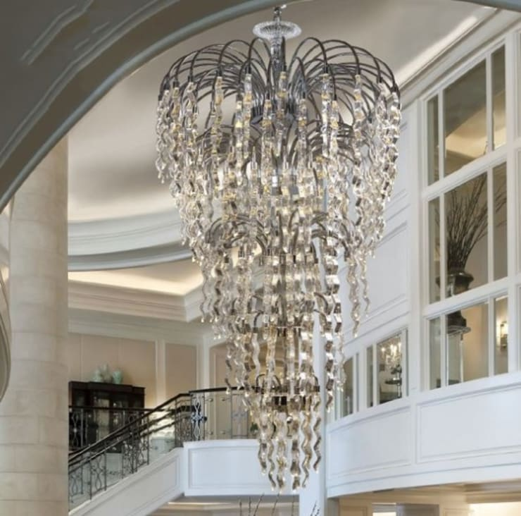 Candeeiros de teto Ceiling lamps www.intense-mobiliario.com  Dubai http://intense-mobiliario.com/product.php?id_product=6540: Corredor, hall e escadas  por Intense mobiliário e interiores;