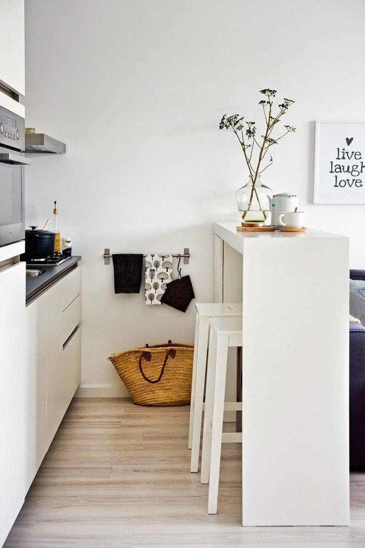 Sala de jantar pequena? Veja essas ideias.: Sala de jantar  por Casa de Valentina