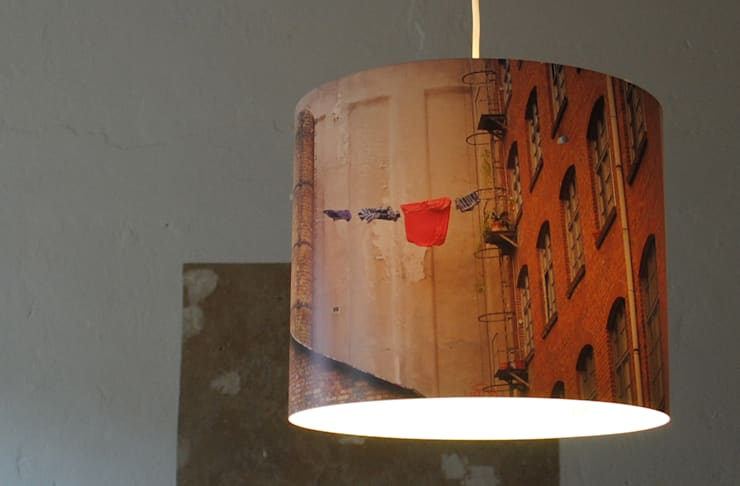 """Schirmlampe: """"Fenster zum Hof"""":  Schlafzimmer von Fotolampe Berlin"""