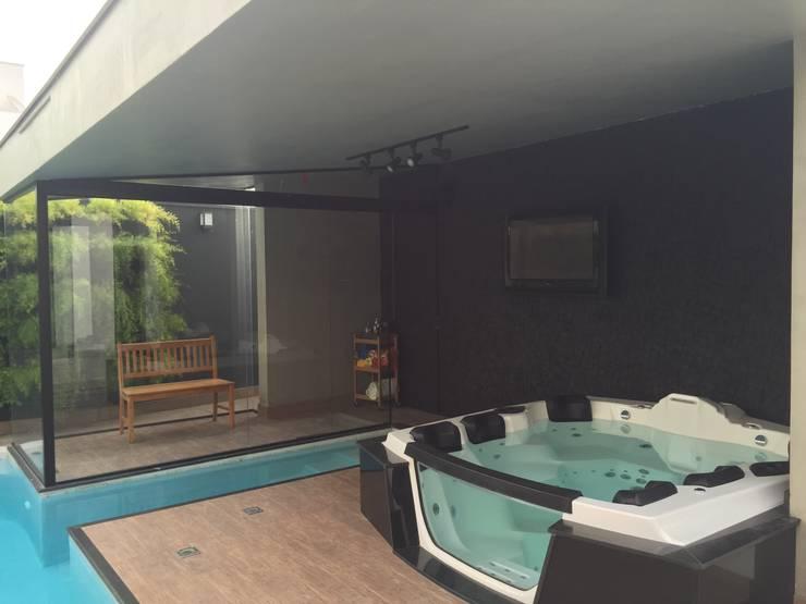 RESIDÊNCIA G   R: Piscinas  por ALESSANDRA ORSI - Arquitetura + Interiores