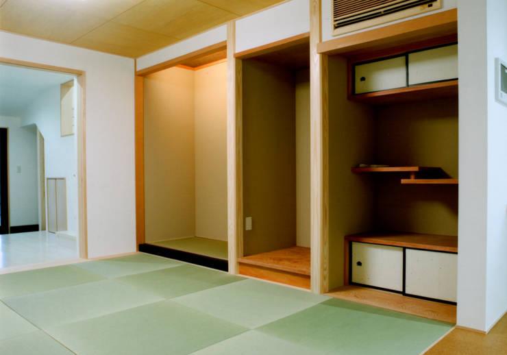和室: 株式会社 岡﨑建築設計室が手掛けた和室です。