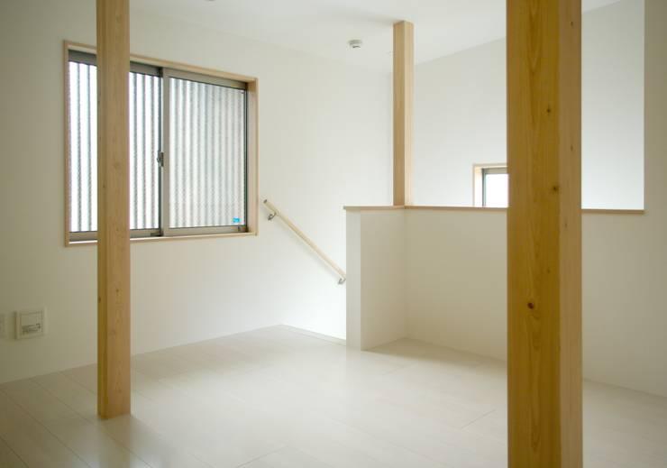 多目的室: 株式会社 岡﨑建築設計室が手掛けた和室です。