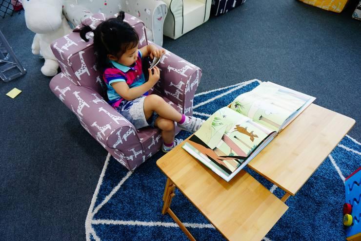 에어블랑 유아소파 <동물친구 시리즈>: AIRBLANC의  아이 방