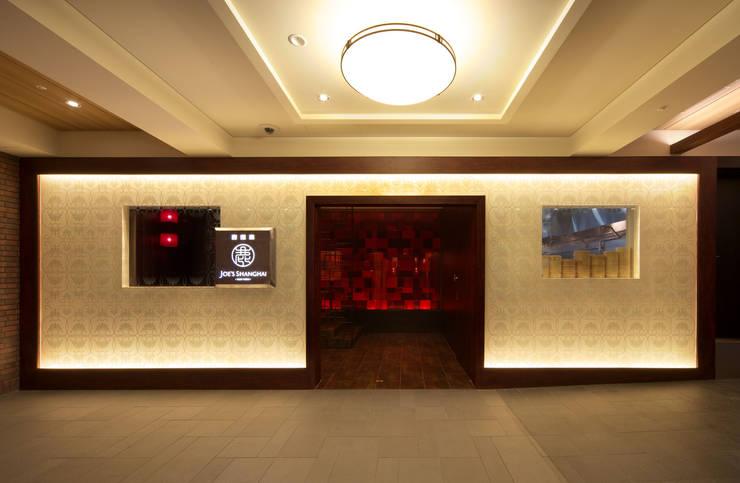 JOE'S SHANGHAI -NEW YORK-: EMBODYDESIGNが手掛けた廊下 & 玄関です。