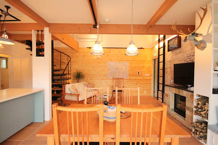 north shore house: THE MAKER'S&United Space Architectが手掛けたダイニングです。