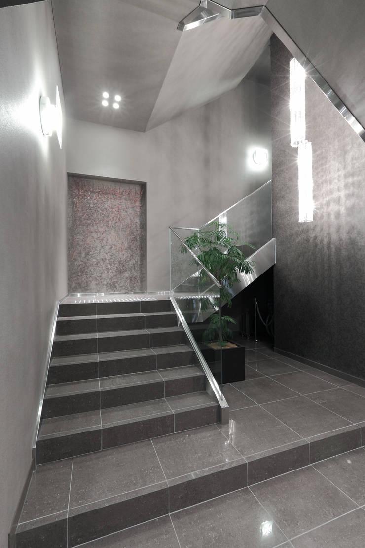 ALMN: <DISPENSER>architects 小野修 一級建築士事務所が手掛けた商業空間です。,モダン