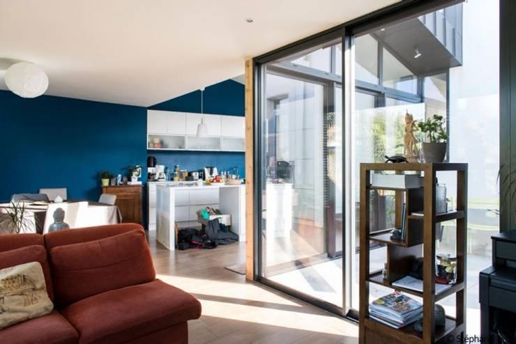 Гостиная в . Автор – LAUS architectes