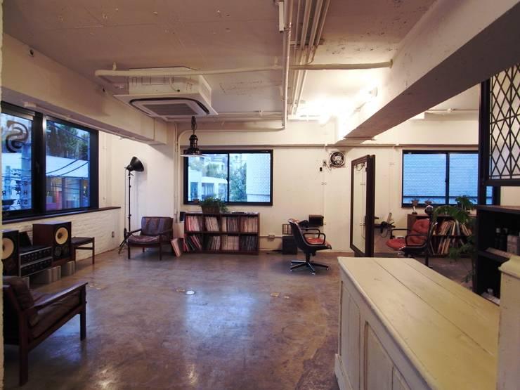S.: <DISPENSER>architects 小野修 一級建築士事務所が手掛けた商業空間です。