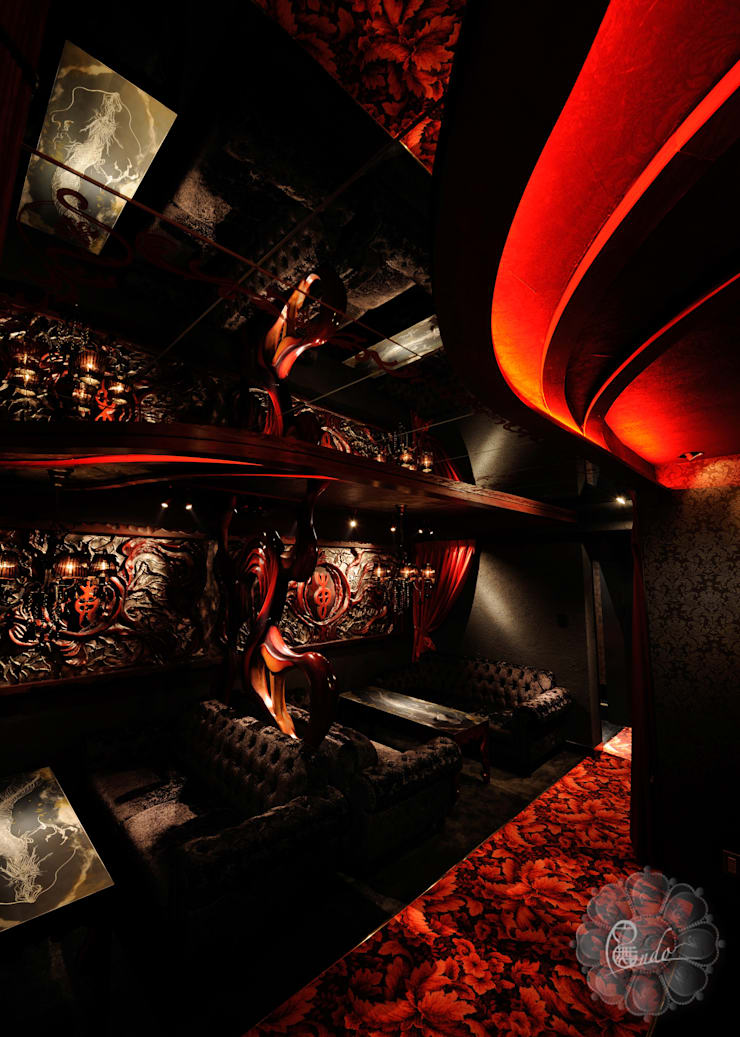 Bars & clubs by Design Atelier 円舞, Eclectic
