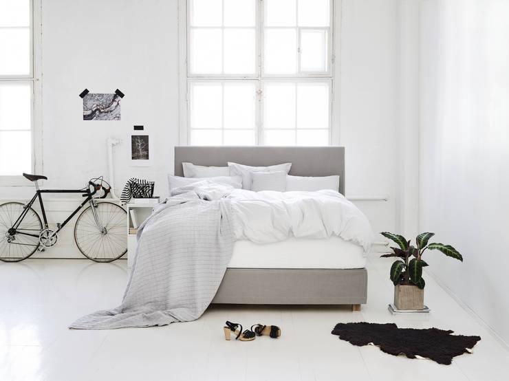 Ambiente Boxspringbetten: moderne Schlafzimmer von Fennobed