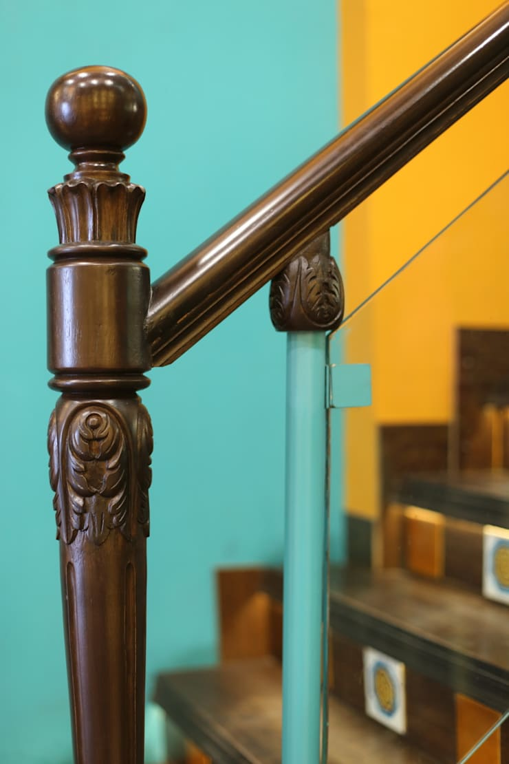 Staircase baluster :  Shopping Centres by Total Interiors Solutions Pvt. ltd.
