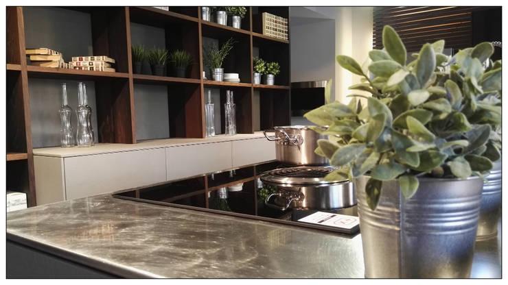 TOP: Inox Barazza con lavorazione vintage: Cucina in stile  di Formarredo Due design 1967, Industrial