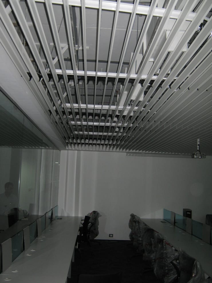 Edelwise Indiabulls Office:  Office buildings by Touch International (Mumbai & Pune),Modern