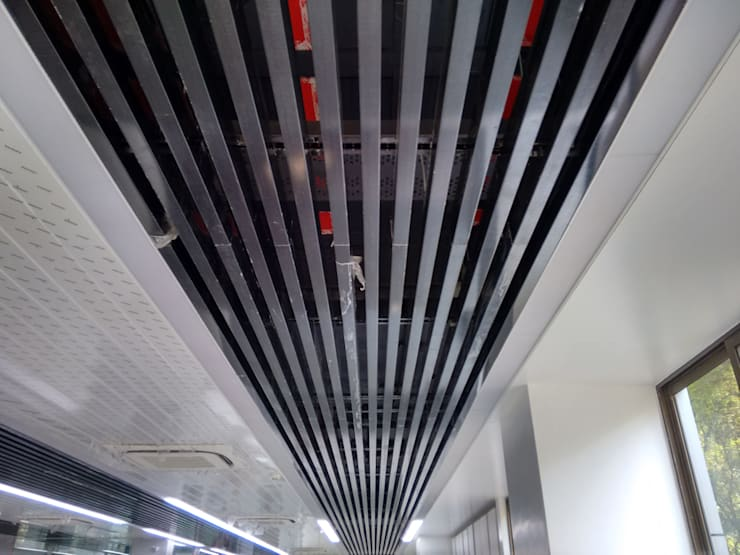 Rohan Builders Pune:  Office buildings by RTA SOLUTIONS LLP (Mumbai & Pune)