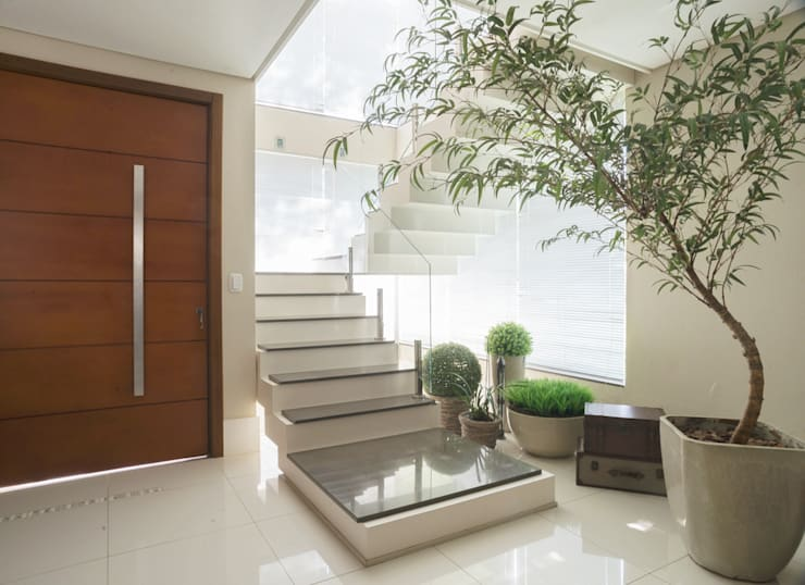 hall - escada: Salas de estar  por ND HAUS,